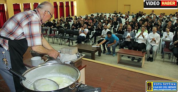 ULUSAL AŞÇILIK KAMPI'NIN İLK GÜNÜ SAMİ ERSOY'DAN MENGEN PEYNİRİ YAPIMI