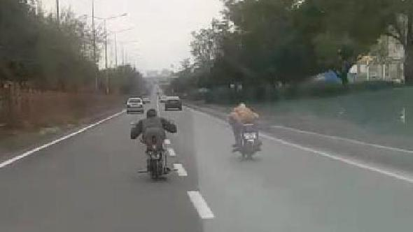 Liseli gençlerin motosikletle tehlikeli gösterisine para cezası