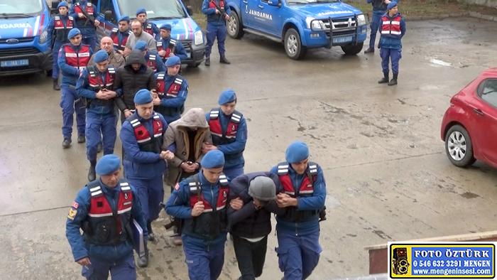 Mengen'de 32 Evi Soyan Hırsızlar Adliyede