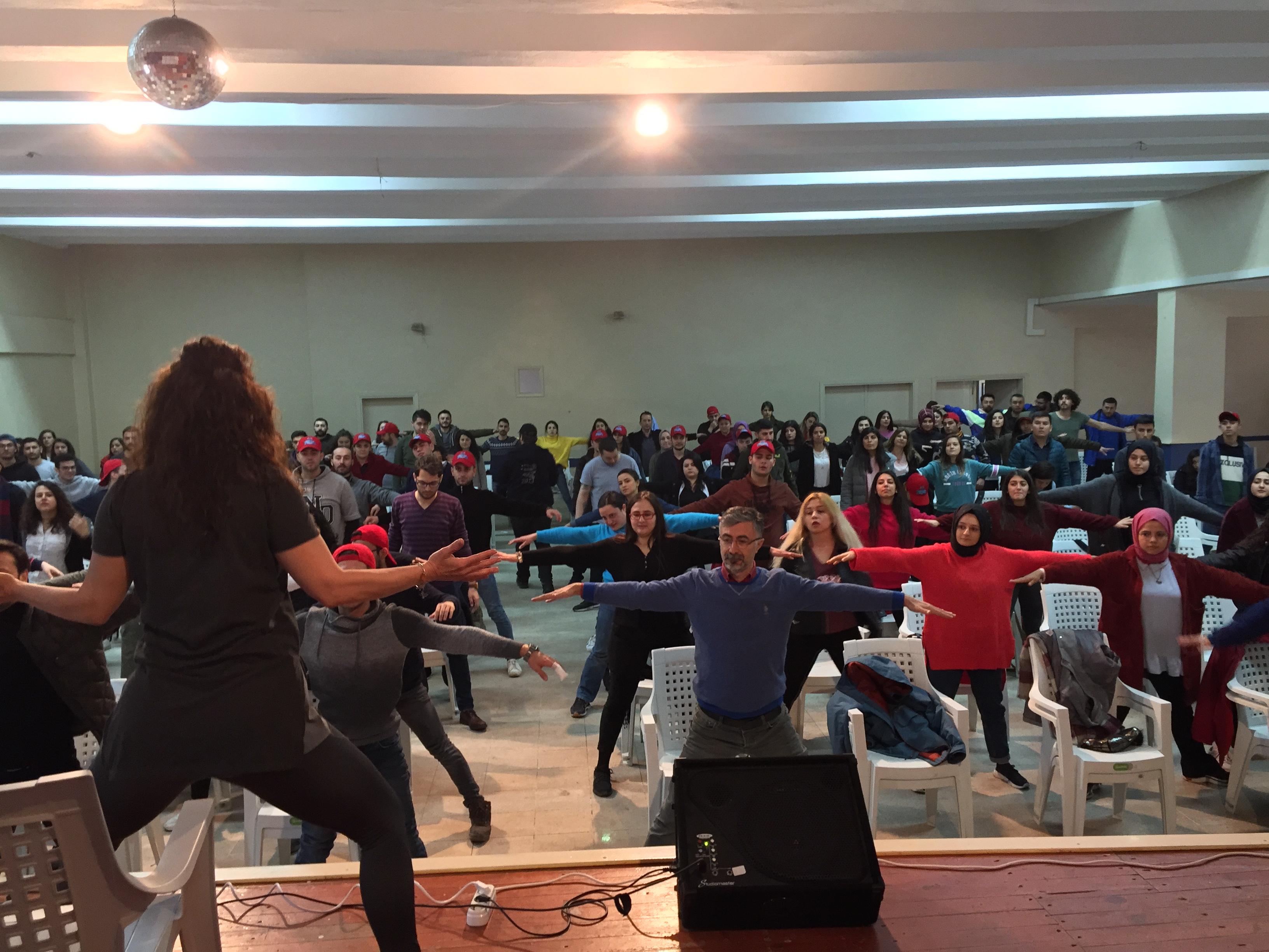 Ulusal Aşçılık Kampında Yoga Vakti