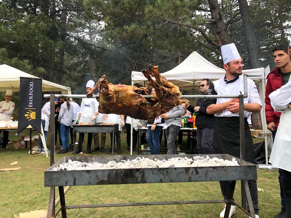 Aşçılık Kampı Katılımcıları Doğayla Kucaklaştı