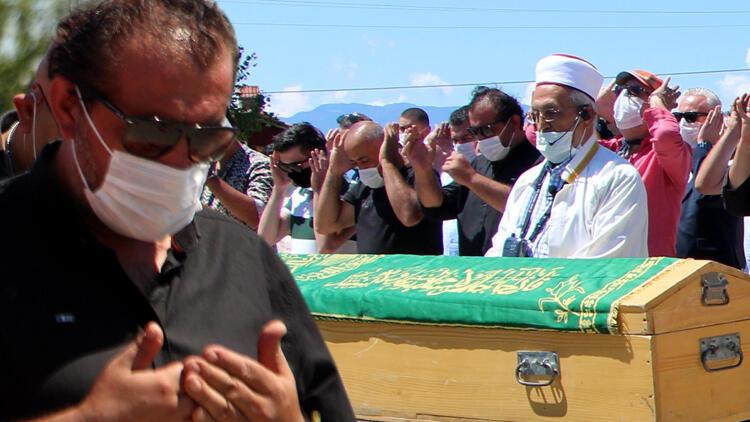 Gözyaşlarını tutamadı… MasterChef jürisi Mehmet Yalçınkaya'nın acı günü