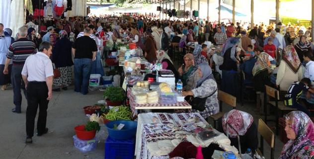 Mengen Halk pazarı bu hafta itibari ile yeniden Cumartesi gününe alınmıştır